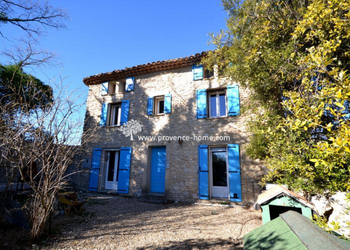 Stenhus till salu i Provence. Hus säljes i Villars i Vaucluse. Köpa hus i Lubéron! Fastighetsmäklare i Vaucluse. Köpa bostad i Provence, södra Frankrike.