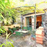 Stenhus till salu i Provence. Hus säljes i Ménerbes. Köpa byhus i Provence!