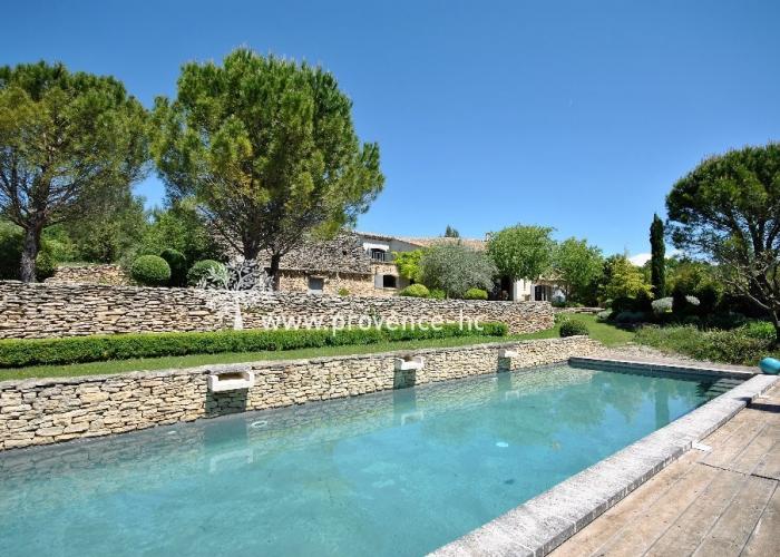 Fint hus till salu i Provence i Cabrières-d'Avignon