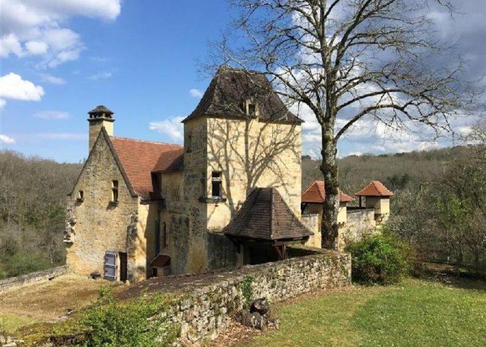 Saint-Cyprien Slott till salu