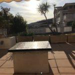 Lägenhet uthyres i Nice 2a på 4e våningen i komplex med pool intill strandpromenaden Balkong med utsikt över Cap d Antibes och stor terass mot Vallauris kullar 9
