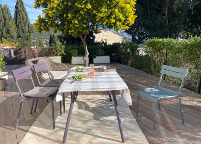 Upplev Provence i vackra kuststadenCarqueiranne! Varsamt renoverat hus uthyres!